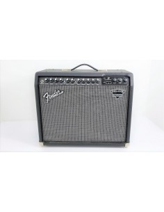 Fender DELUXE 900